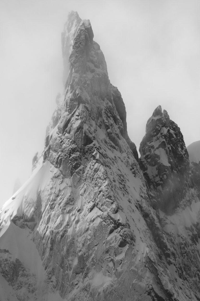 Photo aérienne hélico Davos - photo paysage montagne noir et blanc