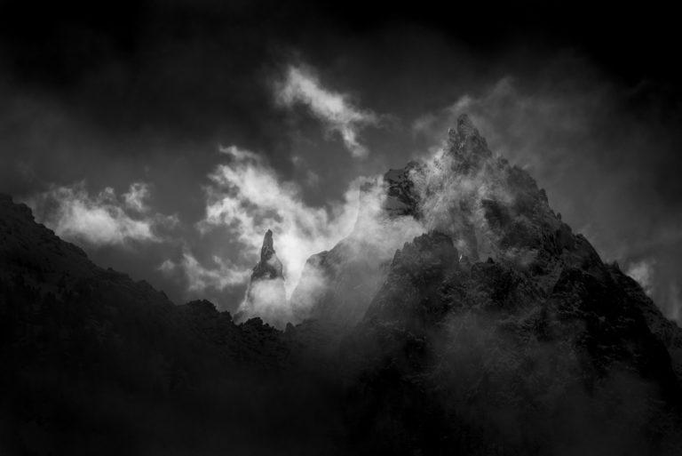 Photo noir et blanc aiguilles du midi-Chamonix-Aiguille de la République, Les Grands Charmoz - Burning