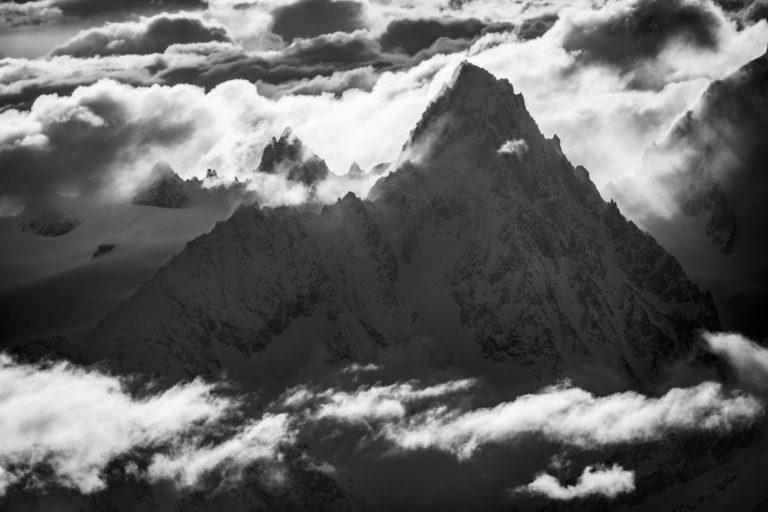 montagne chamonix noir et blanc