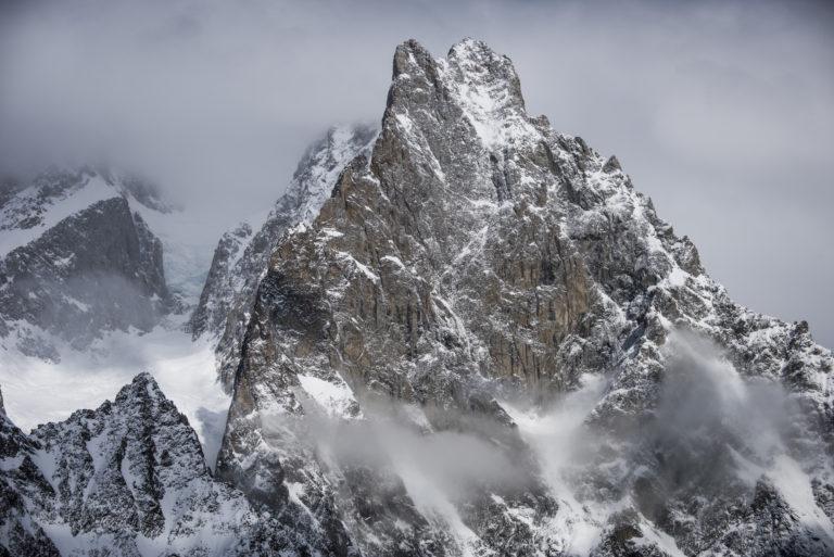 Photo paysage montagne - Aiguille Noire de Peuterey - Photos montagnes rocheuses