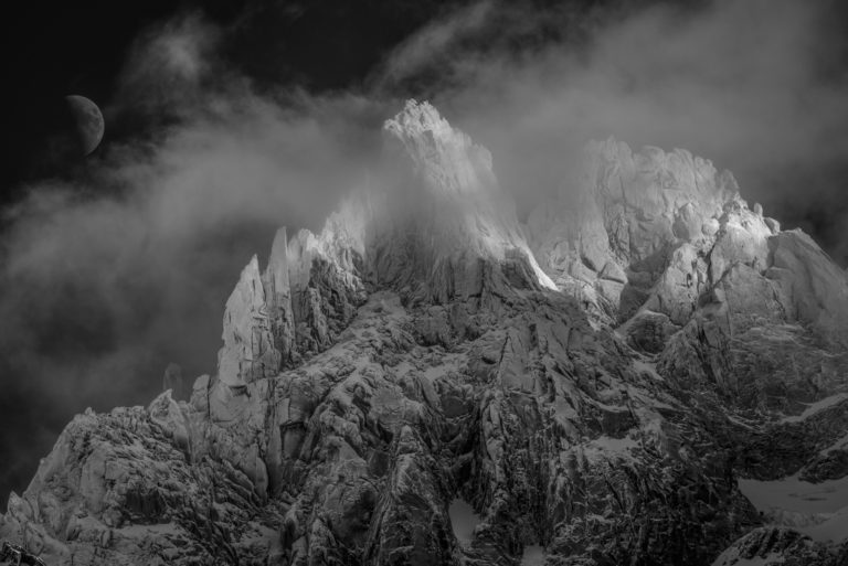 Black and white image of the aiguilles du midi Chamonix -Mont Blanc