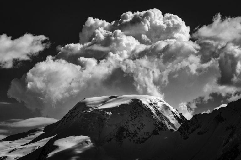 Image montagne Vallée de Saas-Fee - Alpes Valais Suisse - Alphubel vu du Saastal