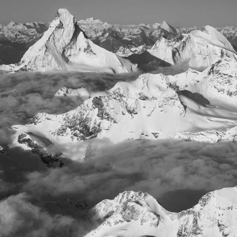 Cervin - crete montagne - image noir et blanc Mont Cervin