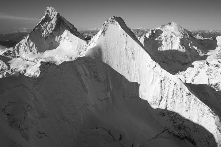 Encadrement photo montagne Mont cervin noir et blanc - face Nord Obergabelhorn