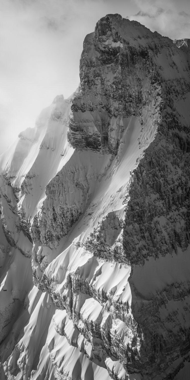 Cîme de l'Est Dents du midi - photo montagne ancienne sous la neige