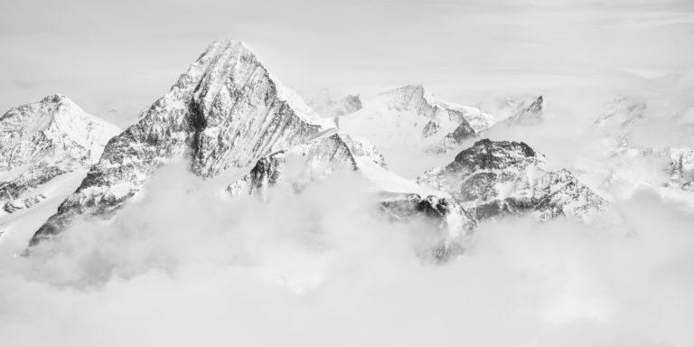 photo panoramique noir et blanc de la Dent Blanche