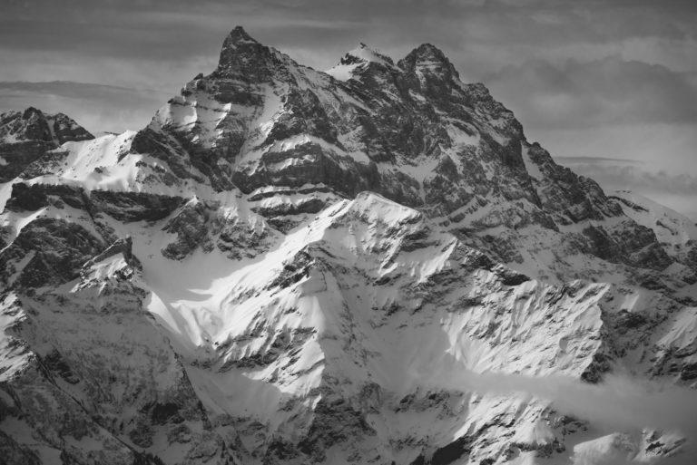 Montagne hiver photo - Les Dents du Midi en noire t blanc depuis Villars dans les Alpes Vaudoises Canton de Vaud