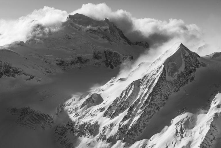 Grand Combin et Combin de Corbassière - photo noir et blanc de haute montagne verbier