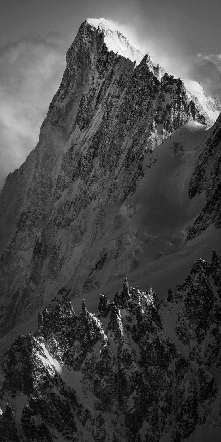 Grandes Jorasses - image de montage face nord grandes jorasses - photo montagne sous la neige
