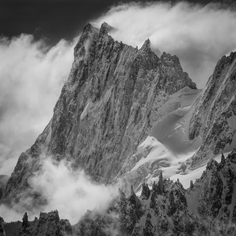Les grandes Jorasses - Périades - photo montagne ancienne en noir et blanc