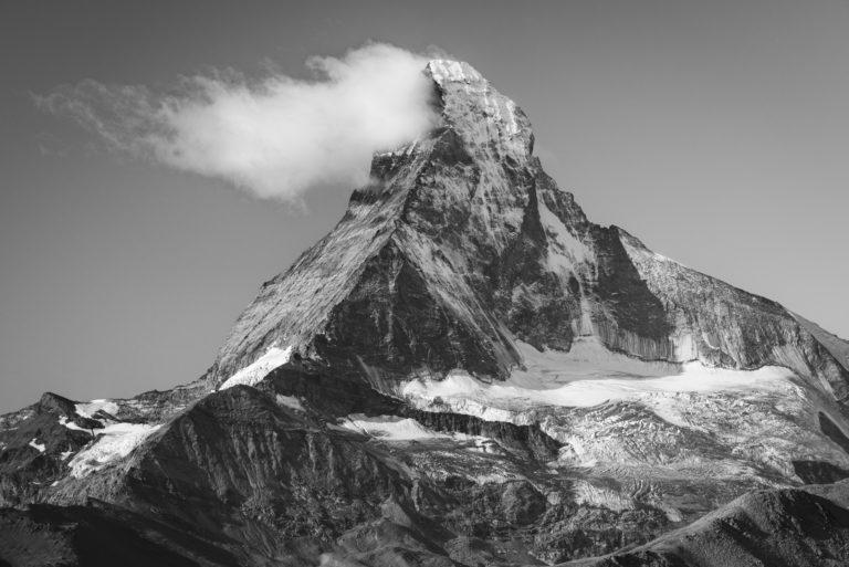 Photo encadrée du Matterhorn Mont Cervin - image des montagnes suisses de Zermatt dans les Alpes Valaisannes et le canton du Valais