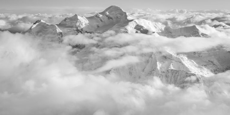 Panorama mont blanc - panorama montagne suisse massif du mont blanc panorama en noir et blanc