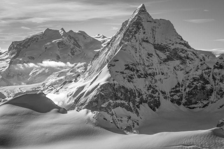 Monte Rosa - Matterhorn - Massif du Mont Rose et photo noir et blanc du Mont Cervin sous les rayons de soleil - Pointe Dufour sommet de Suisse.
