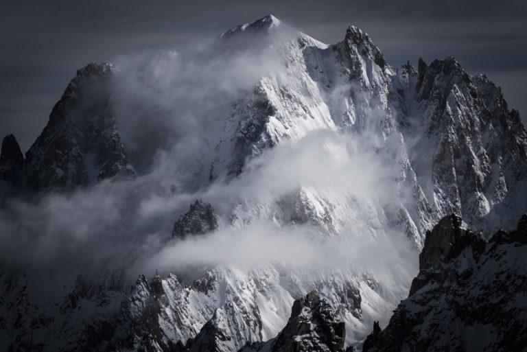 Massifs du mont blanc enneigés - Aiguille Verte