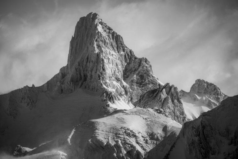Muverans - grand Muveran - photo montagne suisse panoramique en noir et blanc