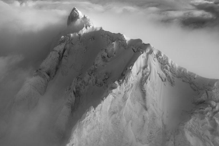 piz badile north face - L'Engadine : Image montagne noir et blanc - Silvaplana photo