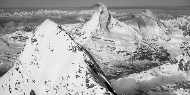 image de montagne du Mont Cervin Täschhorn et de la et la dent d'Hérens