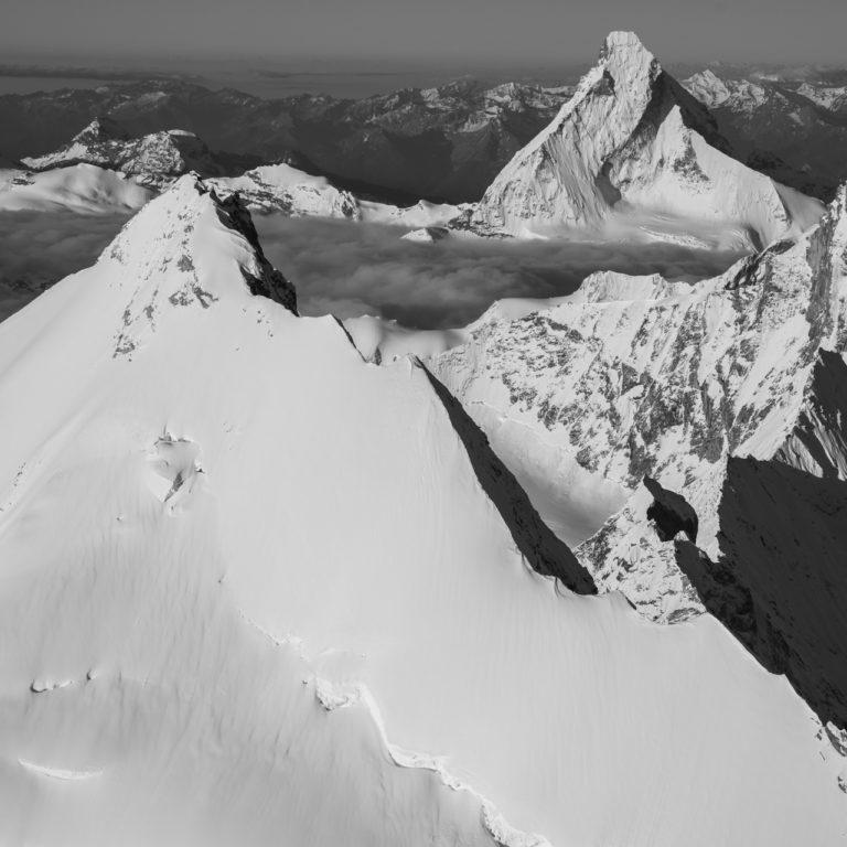 Matterhorn photos noir et blanc - image montagne enneigée Weisshorn
