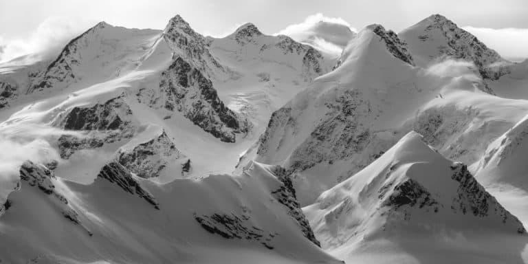 Glacier zermatt switzerland - paradise zermatt dans les Alpes en noir et blanc