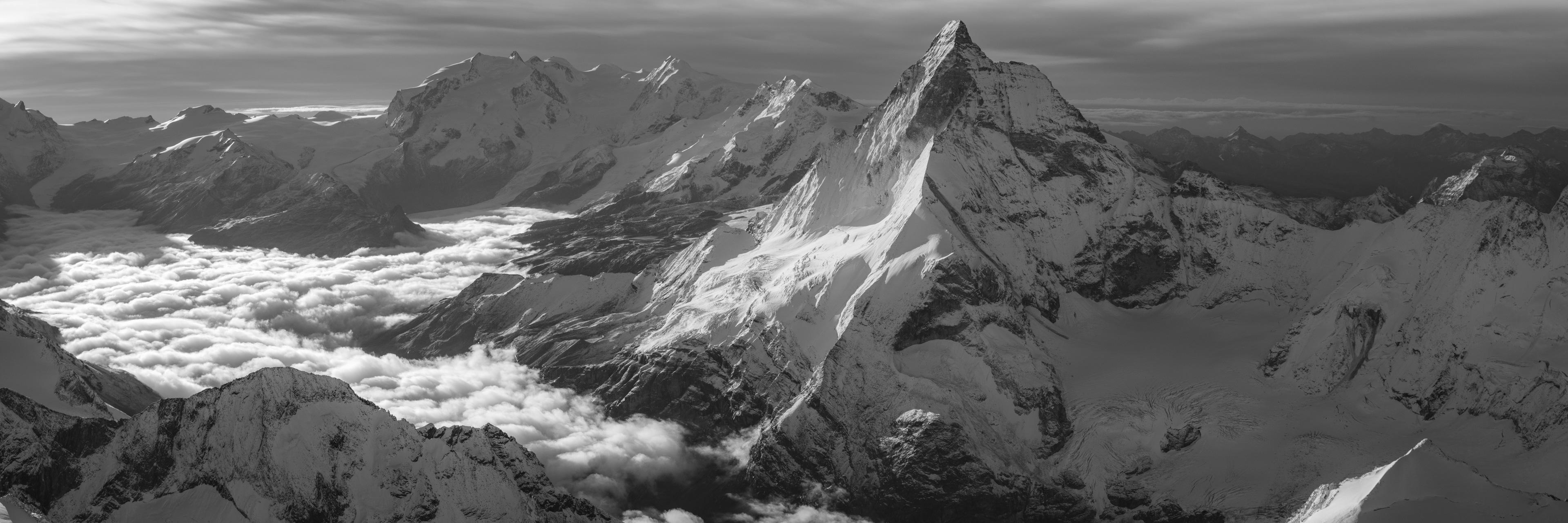 Zermatt panorama montagne Suisse - Encadrement photo des Alpes en noir et blanc