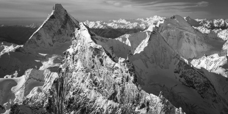 Encadrement photo panoramique du sommet des Alpes Valaisannes Suisses - Zermatt - Obergabelhorn
