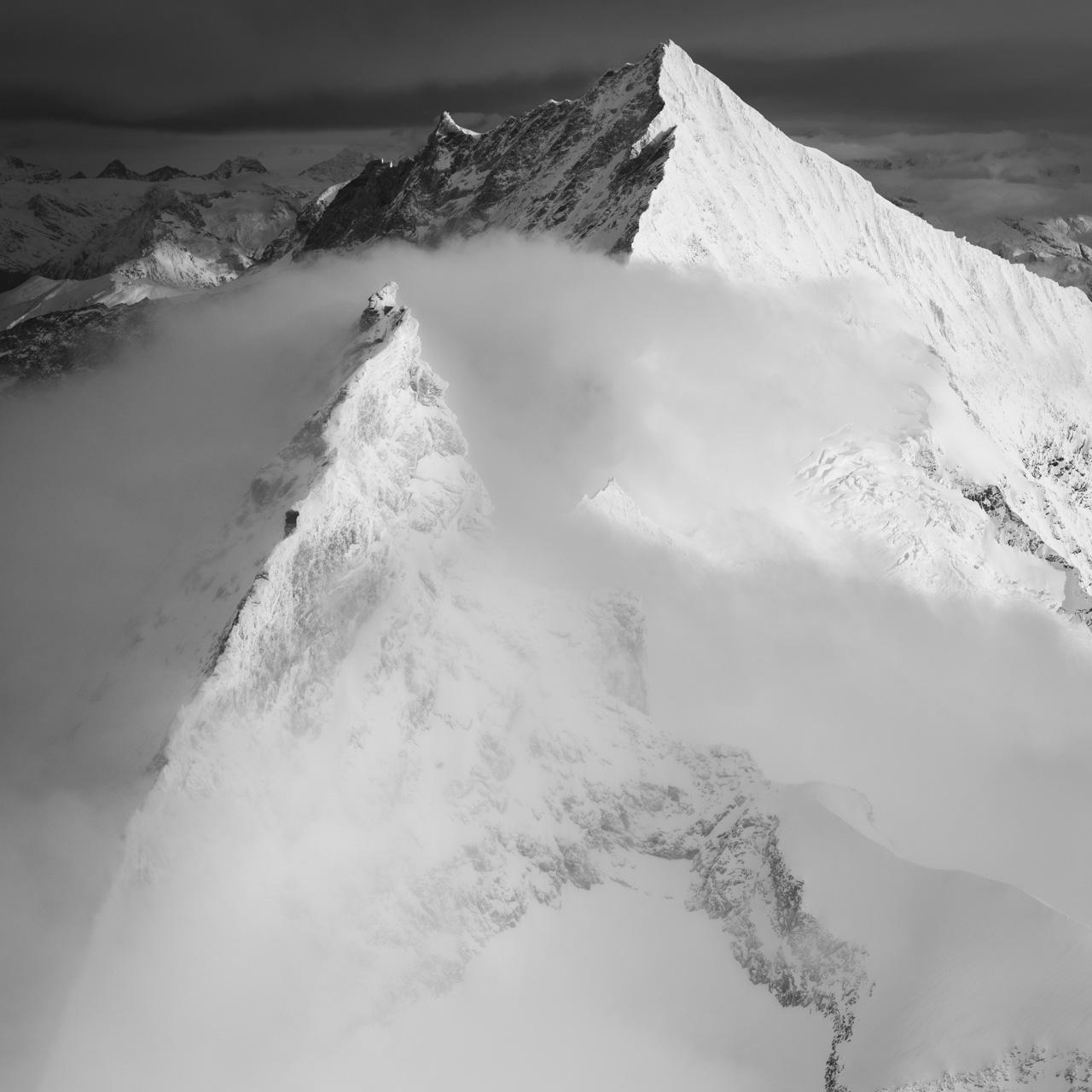 photo montagne noir et blanc neige zermatt