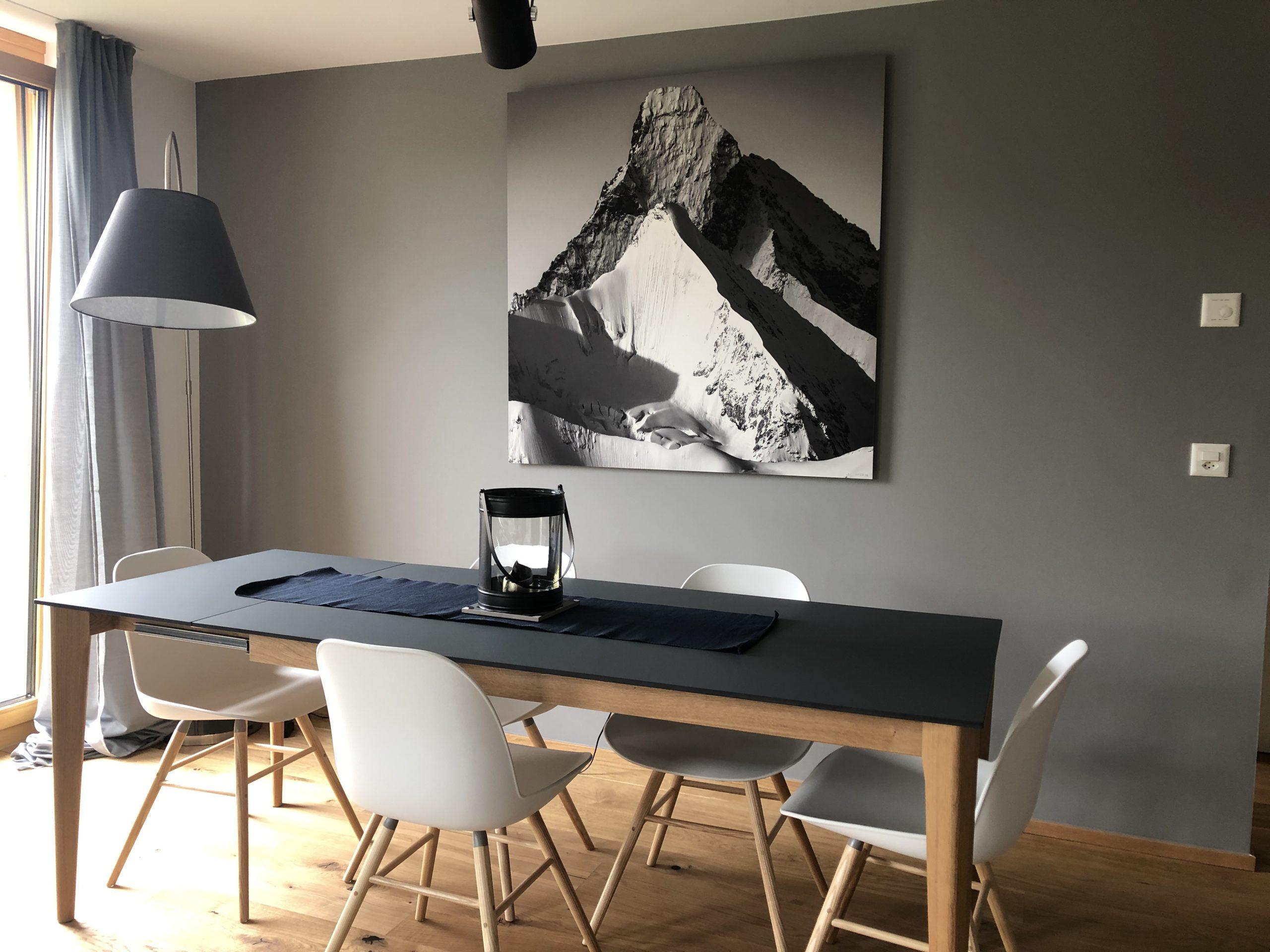 Cadre du Cervin dans un appartement